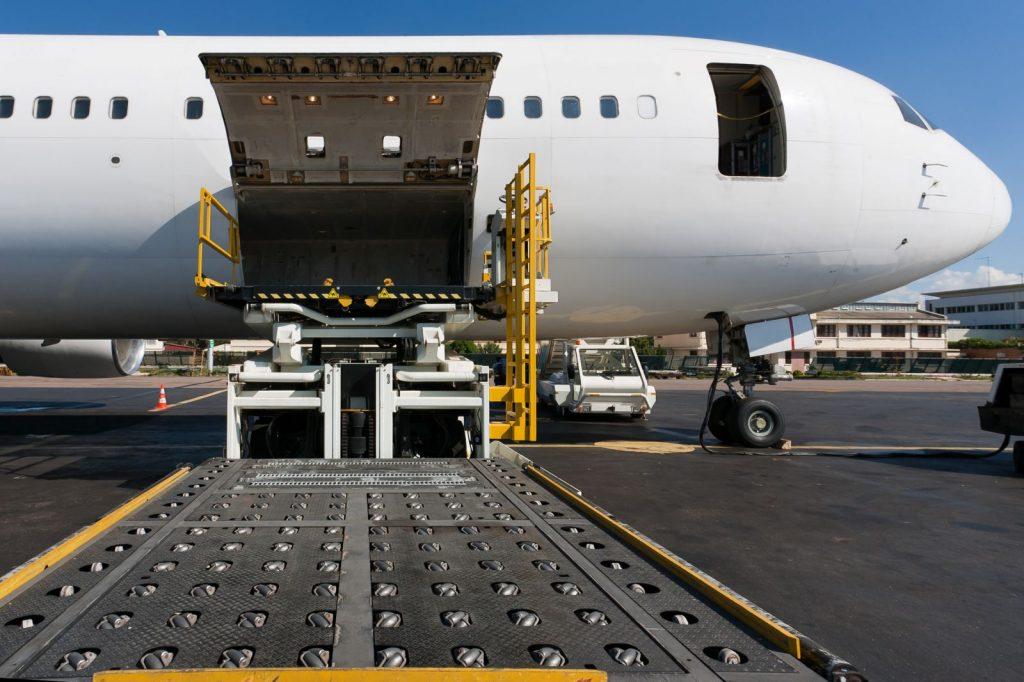 Груз 200 перевозка умерших самолетом по России цена в Санкт-Петербурге